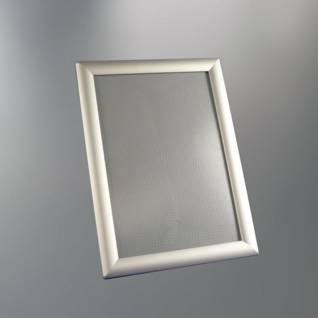 format cadre photo affordable cadre pour poster en plastique blanc grand format x cm with. Black Bedroom Furniture Sets. Home Design Ideas